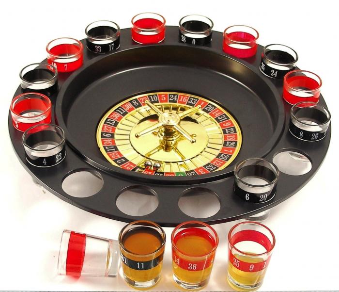 Joc de societate Ruleta Drinking cu 16 pahare pentru Shoturi [1]