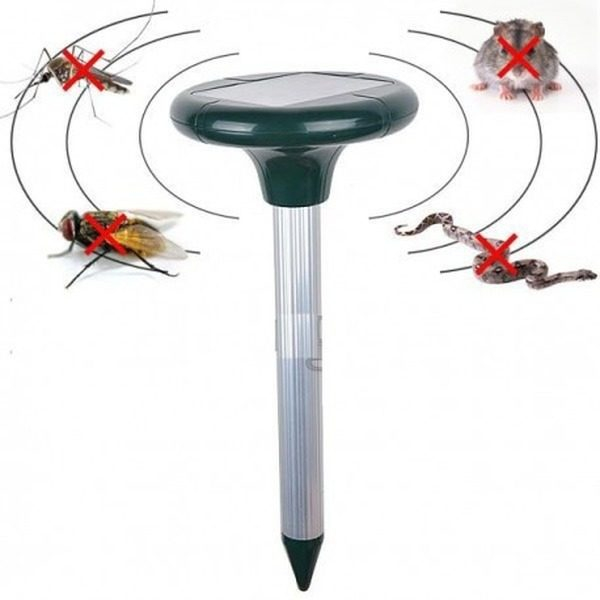 Lampa solara cu ultrasunete impotriva daunatorilor Solar Pest Repeller 1