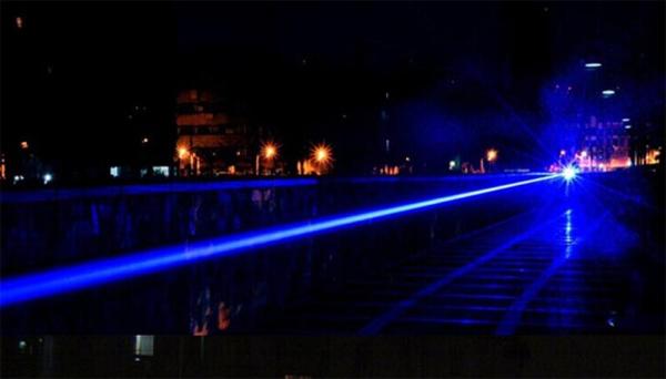 Laser pointer albastru de mare putere 5000 mW professional 3