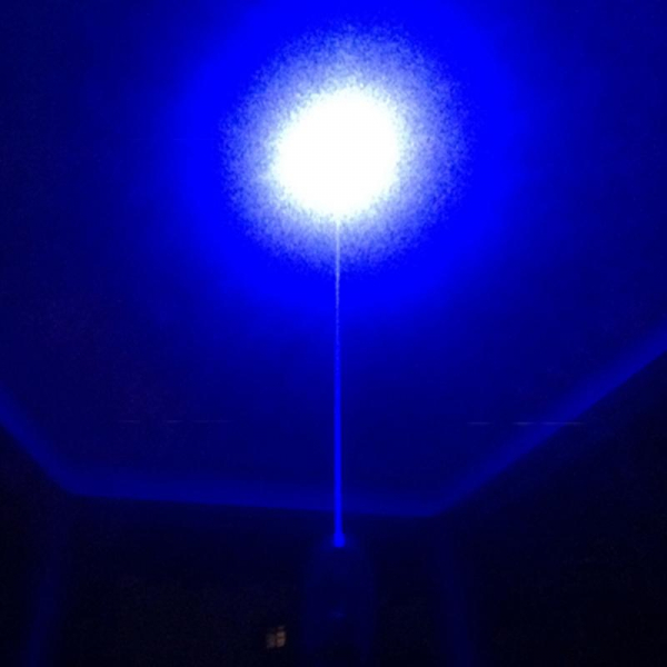 Laser pointer albastru de mare putere 5000 mW professional 1