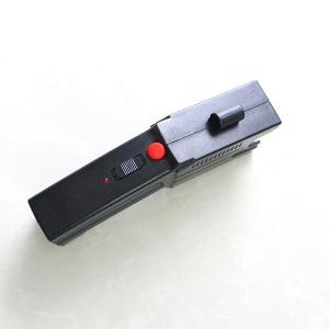 Pistol taser cu electrosoc si 3 rezerve cartuse2