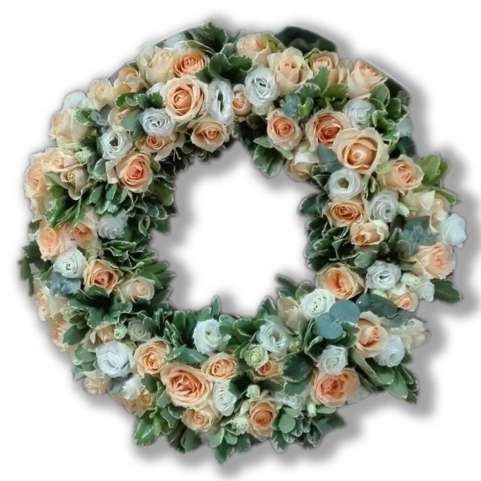 coroana-funerara-olla-in-forma-de-cerc-50-cm-cu-trandafiri-somon-si-eustoma-alba [0]
