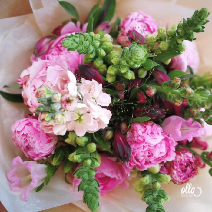 File de Poveste, buchet de flori Olla, din Bujori roz, Matthiola somon si Antirrhinum roz [2]