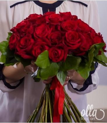 Mesaj de Iubire, buchet din 25 de trandafiri premium 0