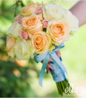 Piersicuta Delicata, buchet de mireasa din trandafiri premium 1