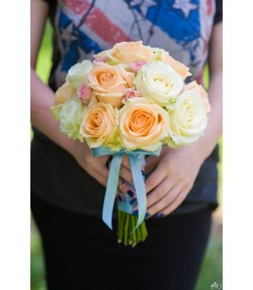 Piersicuta Delicata, buchet de mireasa din trandafiri premium 0
