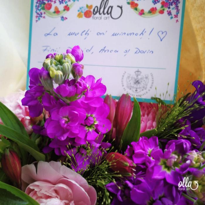 Poveste in Mov, buchet de flori Olla, din Bujori roz, Matthiola mov, Alstroemeria roz si Eustoma mov [5]