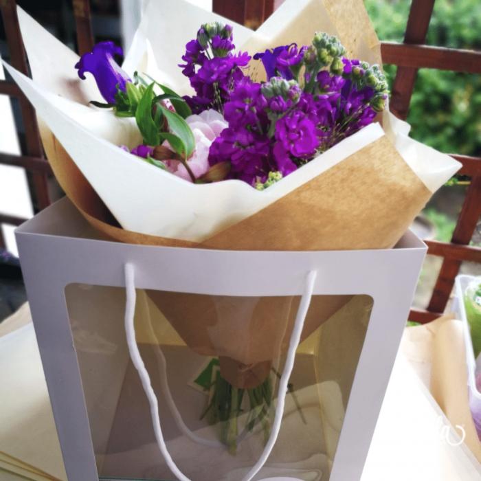 Poveste in Mov, buchet de flori Olla, din Bujori roz, Matthiola mov, Alstroemeria roz si Eustoma mov [6]