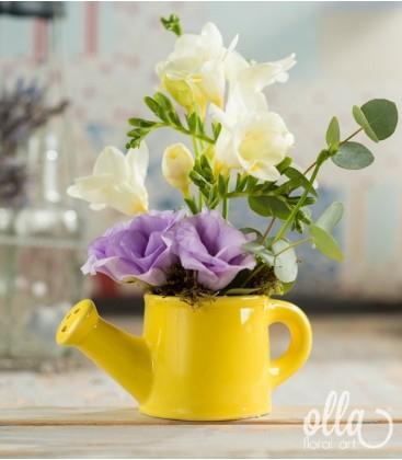 Veste Imbucuratoare, aranjament floral pe suport de stropitoare 0