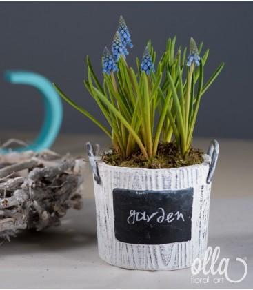 Inceputul Promitator, aranjament floral pe suport de vas ceramic 1