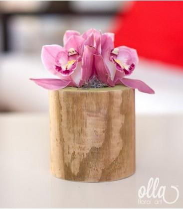Soldatelul Gingas, aranjament floral pe suport din lemn 1