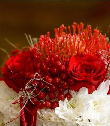 Supriza infloritoare, sculptură florală în formă de cadou 1