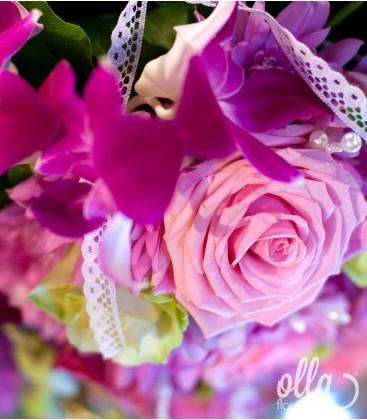 Ursitoarele Iubirii, decor floral pentru cristelnita 2