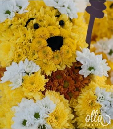 Ursuletul Winnie the Pooh, aranjament floral pe burete sculptat manual 0