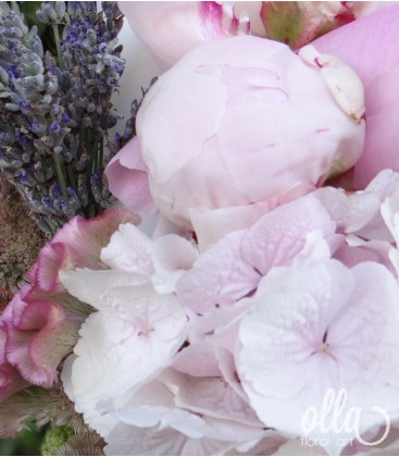 Iubire Pura, lumanari de nunta din hortensii si bujori1