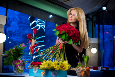 mesaj-de-iubire-buchet-din-25-de-trandafiri-rosii-premium [2]