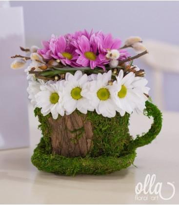 Cescuta vesela aranjament floral de primavara0