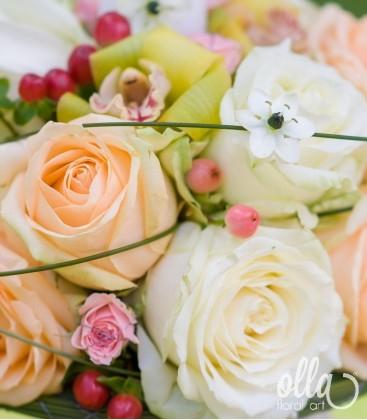 Regina Eleganta, lumanari de nunta din trandafiri si orhidee2