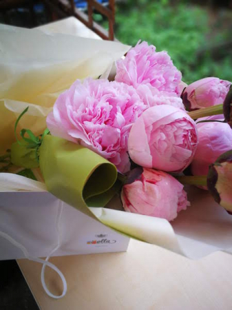 surpriza-inspirata-buchet-din-flori-la-alegerea-ta [1]