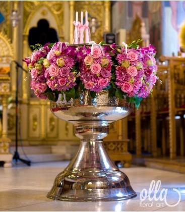 Ursitoarele Iubirii, decor floral pentru cristelnita0