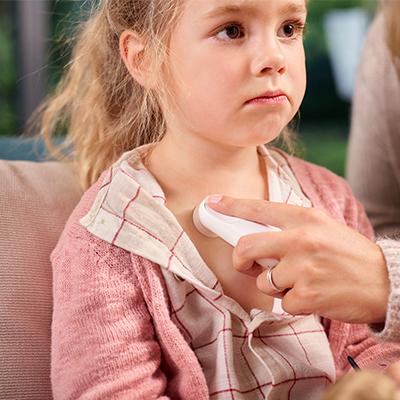 OMRON prezintă WheezeScan, primul dispozitiv din lume de detectare a respirației șuierătoare, pentru a ajuta copiii cu astm