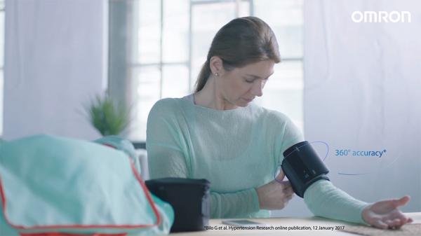 Tensiometru Omron EVOLV digital de brat, manseta inteligenta 22-42 cm, transfer date Bluetooth, fara cabluri, validat clinic, ecran OLED, fabricat in Japonia [2]