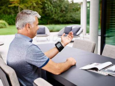 OMRON RS7 Intelli IT - Tensiometru de incheietura, silentios, transfer date Bluetooth, validat clinic [4]