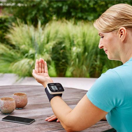 OMRON RS3 Intelli IT - Tensiometru de incheietura, transfer date Bluetooth, validat clinic [4]