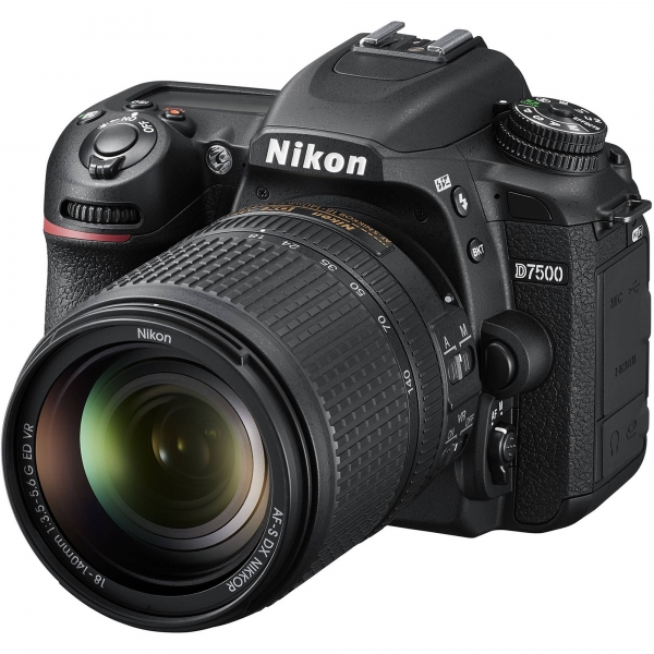 Nikon D7500 Aparat Foto DSLR 20.9MP CMOS 4K Kit 18-140 mm 1