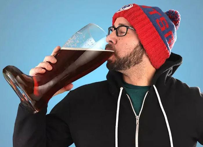 Pahar de bere XXXL in forma de cizma, 2 l 1