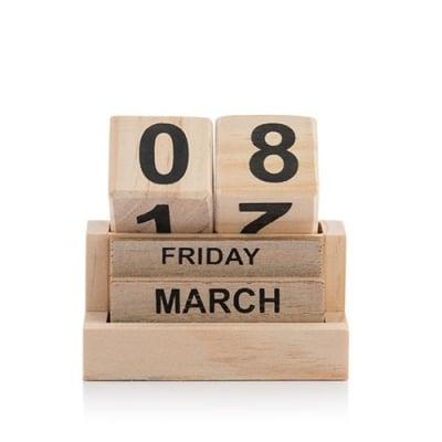 Calendar perpetuu din lemn2