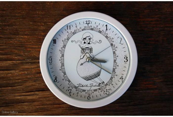 Ceas decorat cu grafică - Zâna Ceaiului
