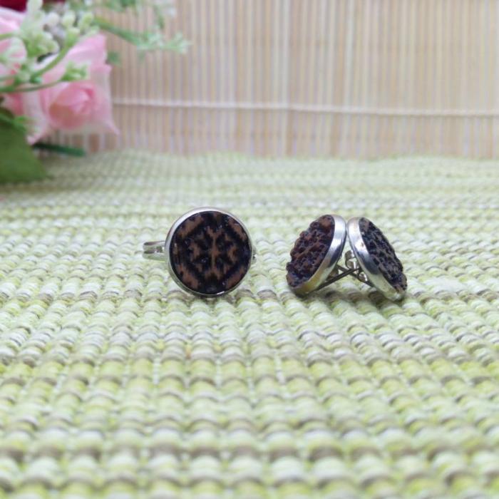 Set traditional cercei și inel handmade