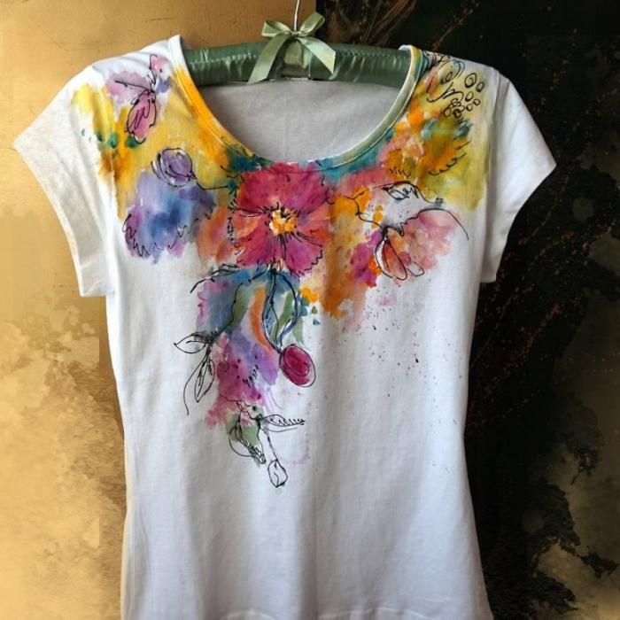 Tricou cu flori pictat 0