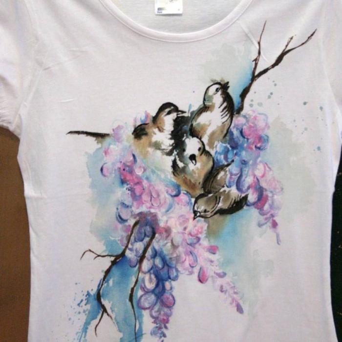 Tricou pictat cu flori şi păsări 0