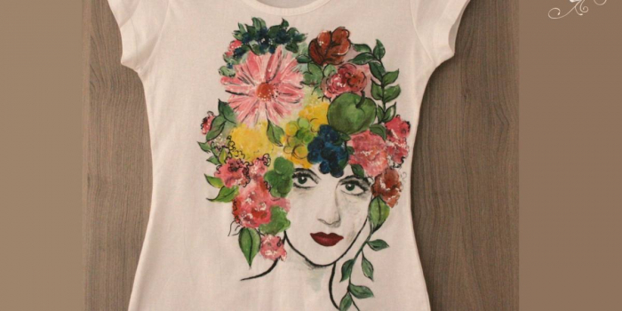 Tricou pictat figură cu flori in cap 2