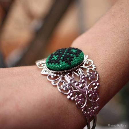 Bratara Handmade cu Motive Traditionale