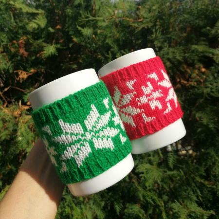 Cană îmbrăcată de Crăciun - Roșie2