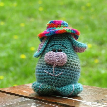 Jucărie iepuraș cu pălărioară0