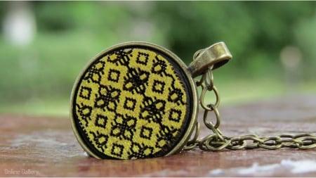 Pandantiv Auriu Inspirat De Klimt1