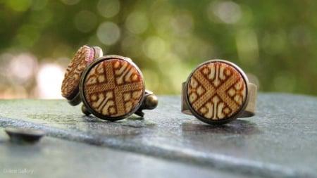Set Handmade Butoni Si Inel Motive Tradiționale