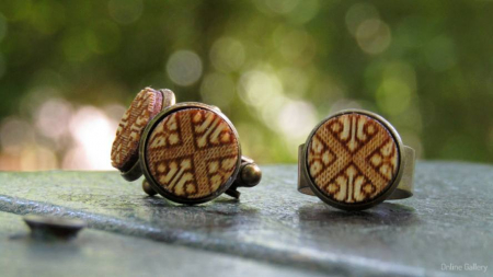 Set Handmade Butoni Si Inel Motive Tradiționale1