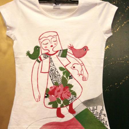 Tricou pictat cu pattern tradițional0