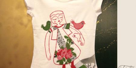 Tricou pictat cu pattern tradițional1