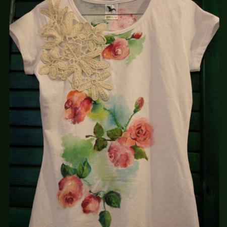 Tricou pictat trandafiri vintage cu mileu0