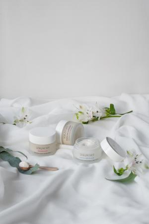 Crema botanica de noapte - Skin essentials [1]
