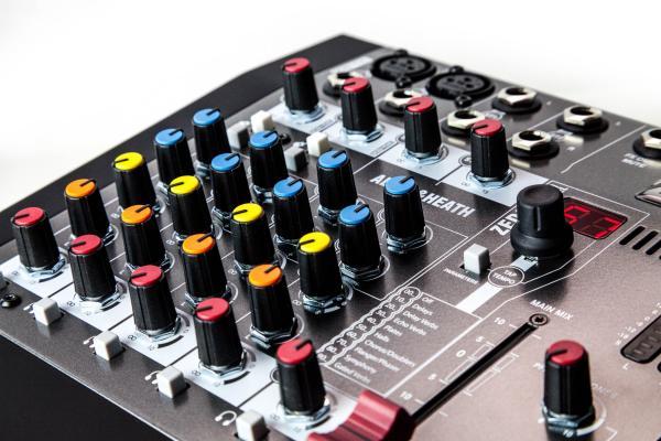 Mixer Analogic Allen & Heath ZED6 FX, 6 canale cu efect incorporat 3