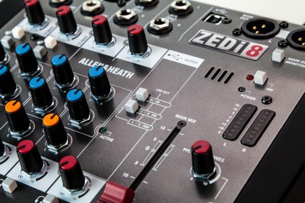 Mixer Analog Allen & Heath ZEDi 8, 8 canale cu interfata USB 2