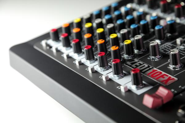 Mixer Analogic Allen & Heath ZEDi 10 FX, 10 canale cu interfata USB si efect incorporat 2