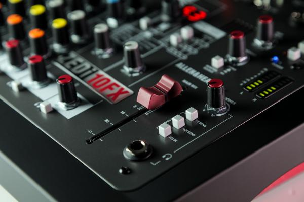 Mixer Analogic Allen & Heath ZEDi 10 FX, 10 canale cu interfata USB si efect incorporat 5